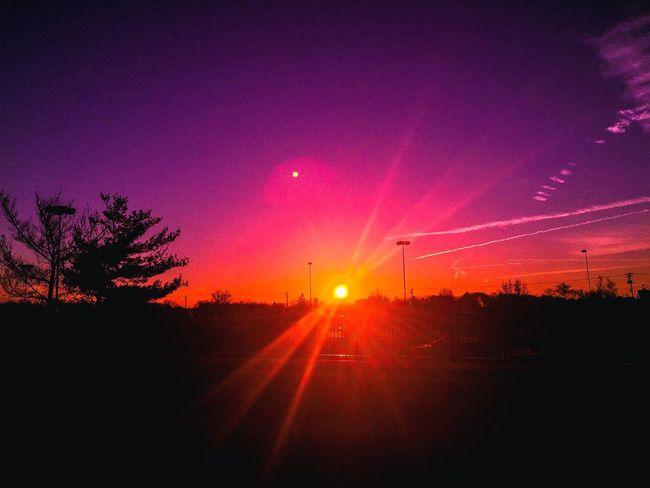 Rise and shine! Taking Photos Sunrise... Sun Sunrise Iphonephotography Iphone6plus Morning Photography Color Mobilephotography Skyporn