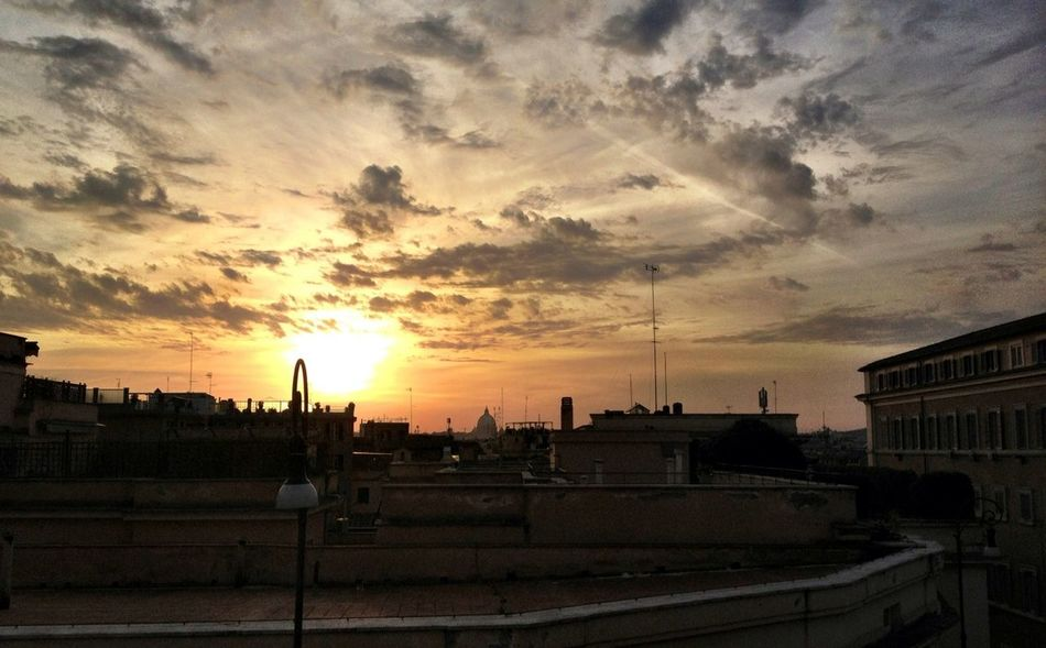 #sunset #sun #clouds #skylovers #sky #nature #beautifulinnature #naturalbeauty #photography #landscape Roma Caput Mundi