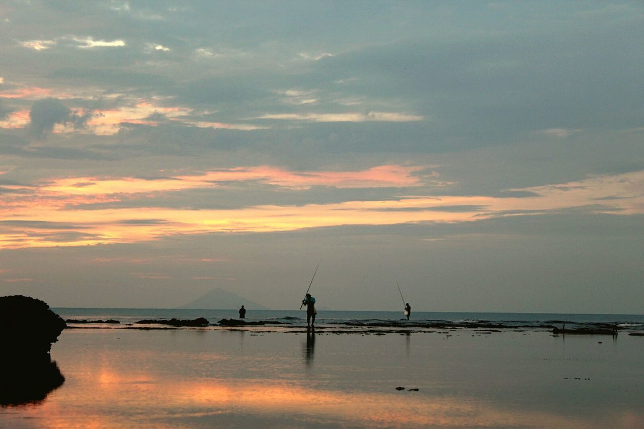 Silhouette Sunset Business Finance And Industry No People Water Outdoors Sky Nature Landscape_Collection My Year My View Nature Ocean And Sky Sea Sunsetphotographs Fishermenvillage