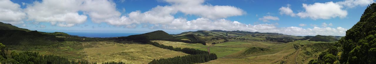 180degree Panoramic Photography Panoramic View NoEditNoFilter Beautiful Day Hillside Vulcanic Landscape EyeEm Best Shots Eye4photography  Terceira Showcase July EyeEm Best Shots - Nature Nature Hiking Eyeemphotography On A Hike View From Above Green Outdoor Photography Azoren Landscape High Angle View Scenic Nature Photography Outofcam