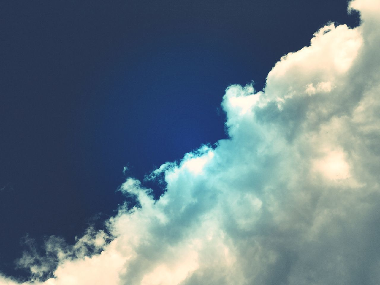 Sky Low Angle View Cloud - Sky Nature Beauty In Nature Blue No People Outdoors Day Sky Only Backgrounds Thephotojournalist-2017EyeEmAwards Scenics Blue Sky Cumulus Cloud Cloud Clouds And Sky Blueandwhite White Heavenly Sky High Angle View Lookingup Natural Beauty Natural Pattern Beauty In Ordinary Things