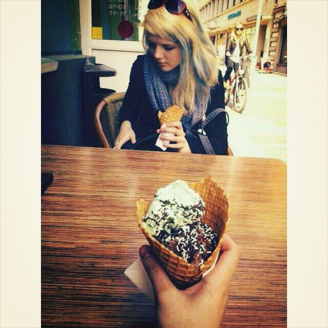 Blonde Girl Icecream🍦 Old Summer Blue Hair<3
