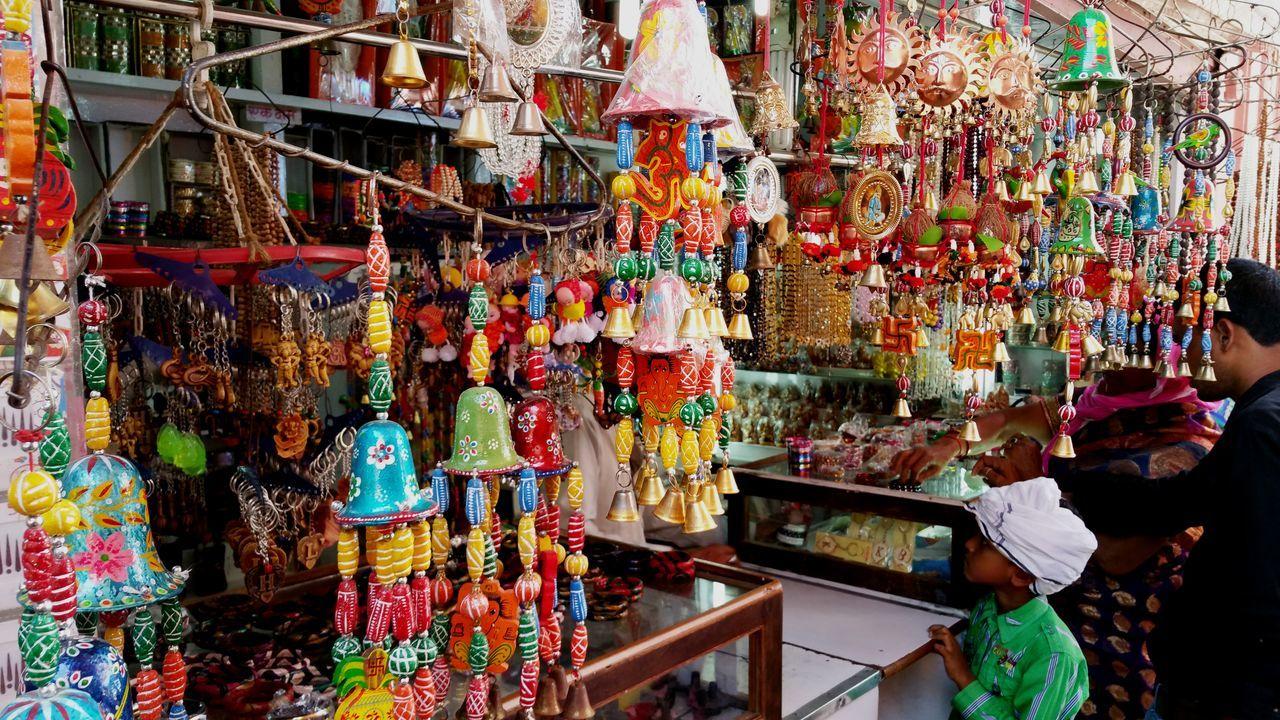 Arrangement Collection Colors Display Market Stall Multi Colored Roadside Shops Shop Varanasi India