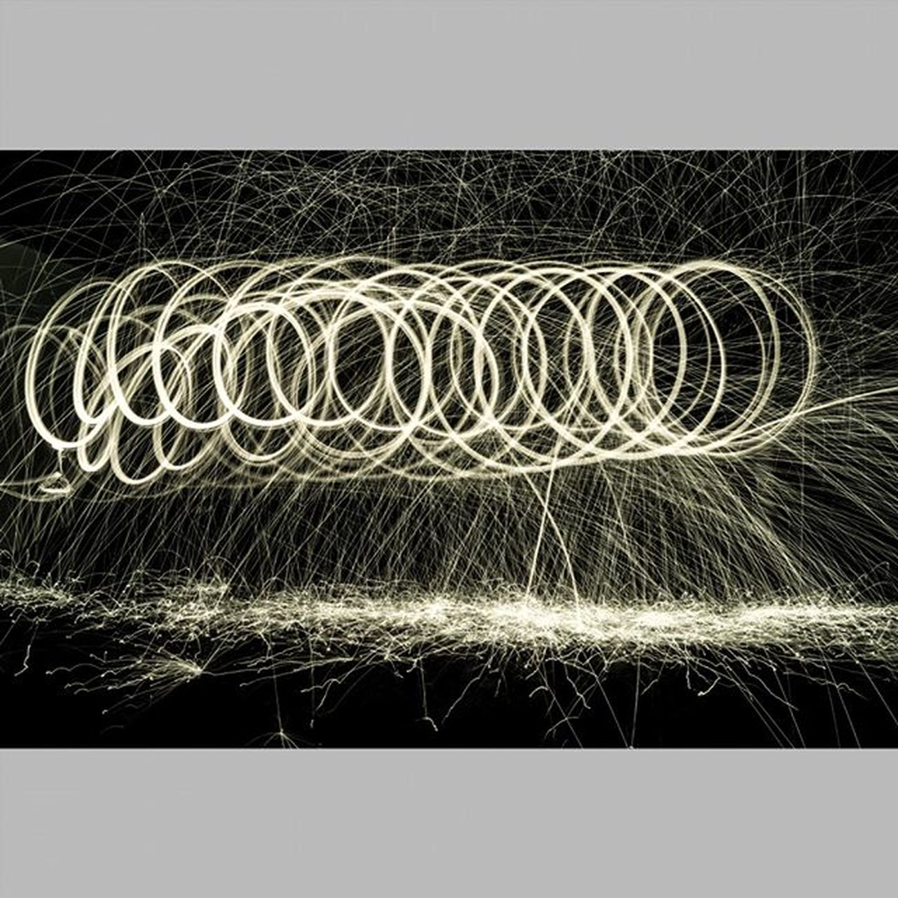 4 Light Lights Lightpainting Lightpaint Lightpaintingphotography LightPainters Lightpainter Lightpainted Lightpaintingbrushes Lightpaintingoftheday Lightpaintingart Lightpaintingphotos Longexposure Longexpo Longexposureoftheday Instalights Instalightpainting VSCO Vscocam Achadosdasemana Longaexposição Longaexposição Parededevidro Brasilfolk  vscolights