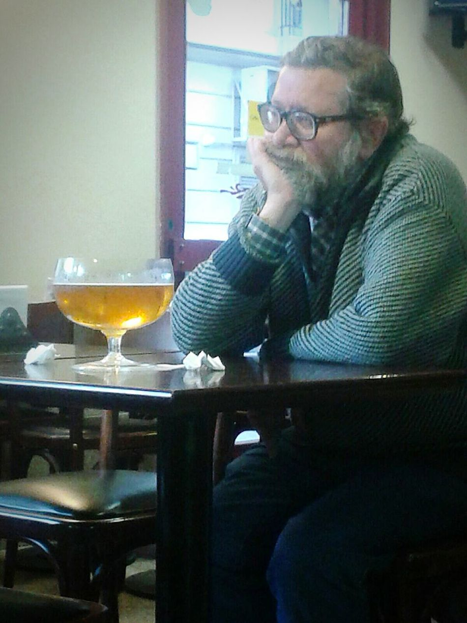 Man Drinking A Beer Drinking Drinking Beer Alone Lonely Sorrow Big Beers Triste Pensativo  Bar