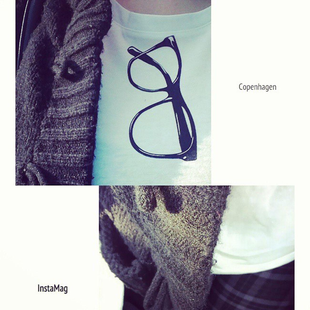 おはようございます♪ 今日は、なんちゃって眼鏡Tシャツにカーデ、チェックパンツを着ちゃいました✨ モノトーン大好き? おはようございます なんちゃって眼鏡Tシャツ カーディガン チェックパンツ backnumberUNIQLO