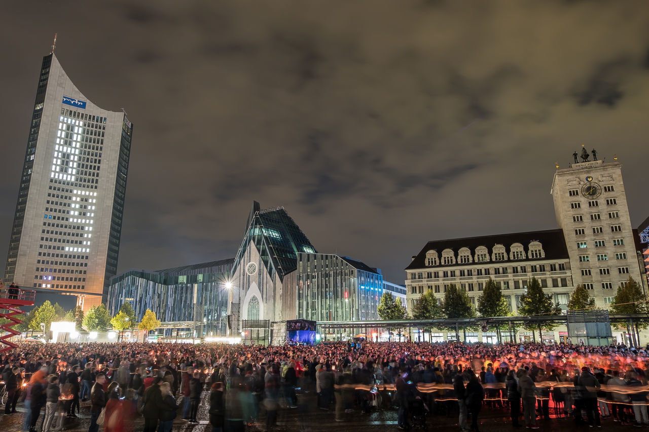 1989 9. Oktober Leipzig Architecture Building Exterior Built Structure City City Life Crowd Final Shot GDR Illuminated Large Group Of People Leipzig Lichtfest Light Motion Night Person Sky Skyscraper Spraying Tall - High Tourism Tower Travel