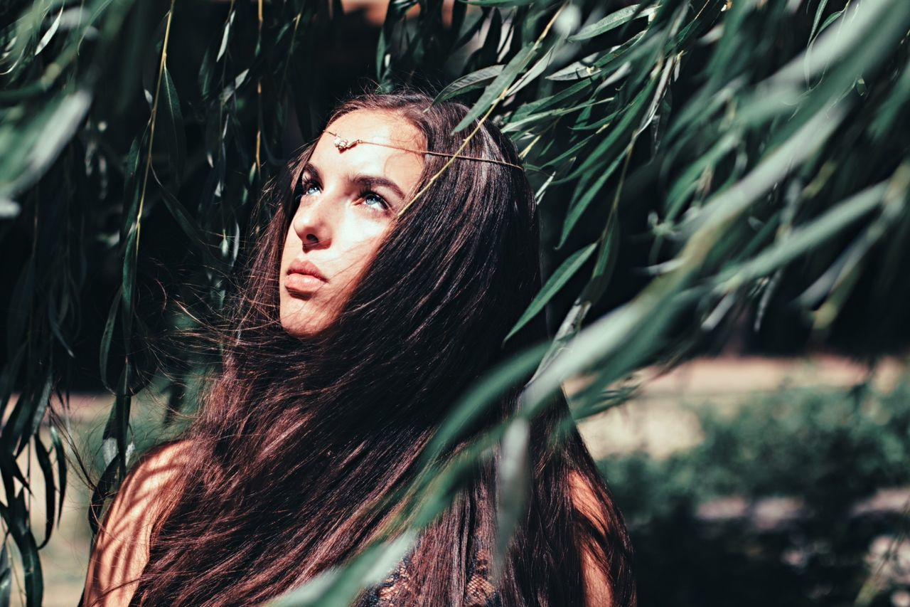the last bee / model: luisa The Portraitist - 2014 EyeEm Awards Girl Portrait Nature Let Your Hair Down Winners