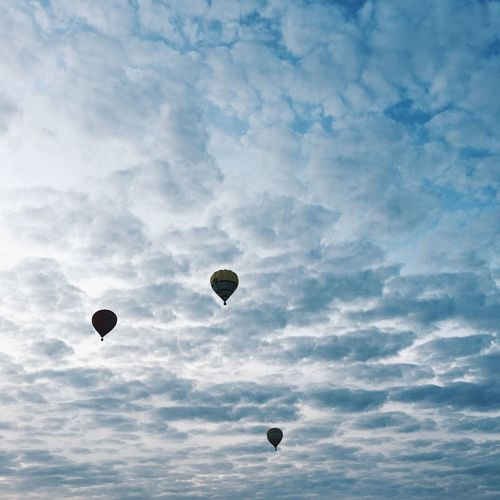 Hot Air Balloons Sky Balloons balloon Hot Air Balloon Flying Mid-air Cloud - Sky Adventure Transportation Freedom Ballooning Festival Day Outdoors No People