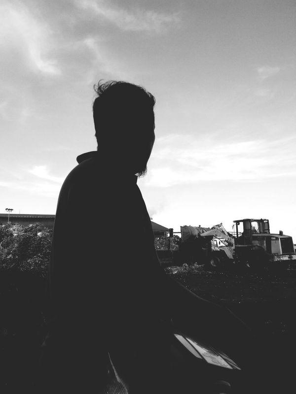 zuki oh zuki knape mu tmenung... zuki! gmbr mu rmai org suka la.. hebat la mu.. Silhouette Monochrome Don Filter EyeEm Best Shots - Black + White