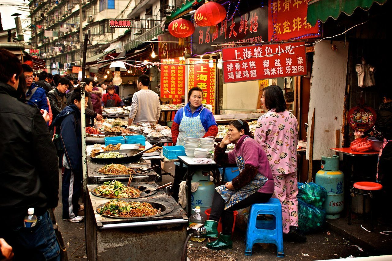 real people, market, market stall, food and drink, food, men, retail, outdoors, large group of people, women, day, freshness, adult, people