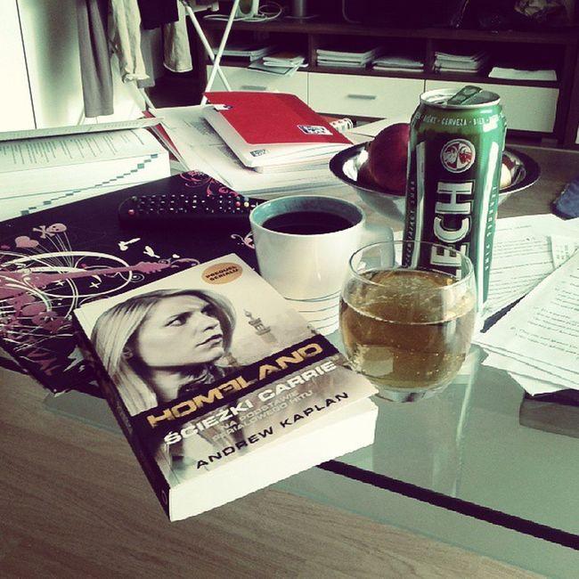 Piwo Beer Popoludnie Kawa coffe ksiazka czytanie relaks wolne owoce lech zawsze spoko odpoczywanie