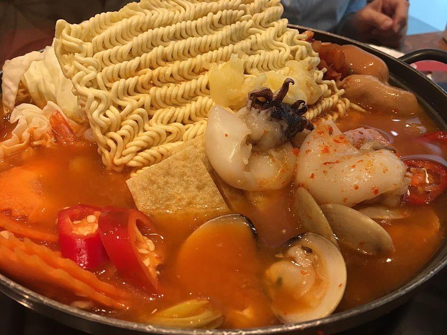 Ramyun Ramyeon Korean Korean Food Korea Soup Hot And Spicy Hot And Sour Soup