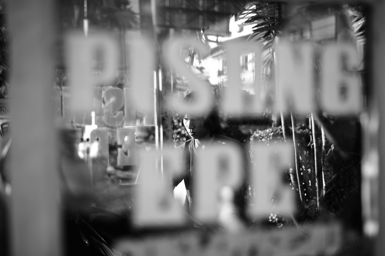 Pisang epe! Losari Beach Losari Human Human Interest Blackandwhite Bnw Streetphoto_bw Streetphotography Eyeem Makassar EyeEm Indonesia D750 Snapseed Vscocam