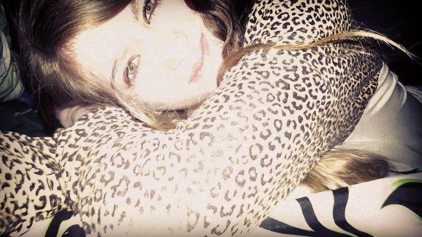 Smiling Girl Taking Photos That's Me This Week On Eyeem Things I Like Showing Imperfection Let Your Hair Down Makeup Off .... Time To Sleep ❤ Eyeem Market Enjoying Life Natural Beauty Smile :) Goodnight ♡ Taking Photos Natural Hair ♡  Curly Natural Hair Showcase April Hello World EyeEm Best Edits Likeforlike BedTime :) Green Eyed GirlThis Week On Eye Em EyeEm Best Shots The Portraitist - 2016 EyeEm Awards