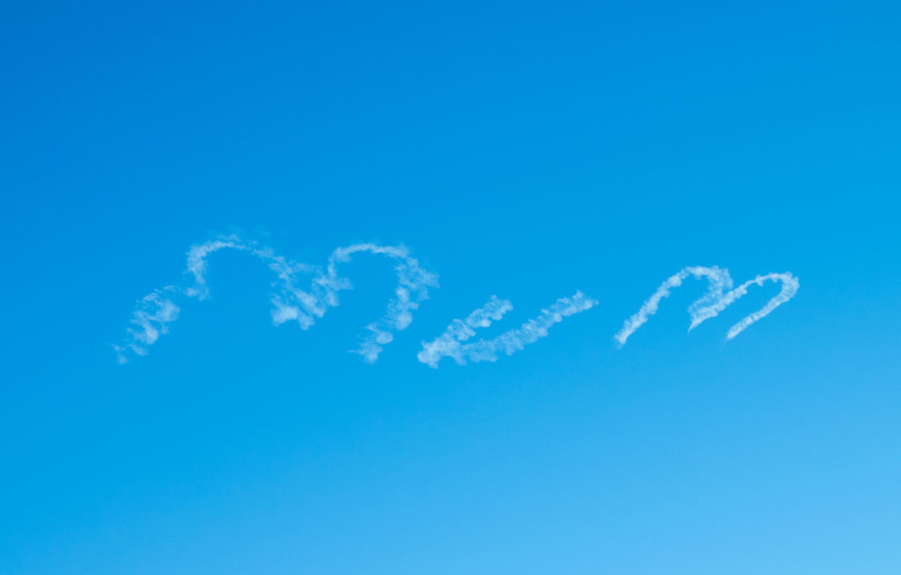 Beautiful stock photos of muttertag, , Clear Sky, Contrail, Creativity