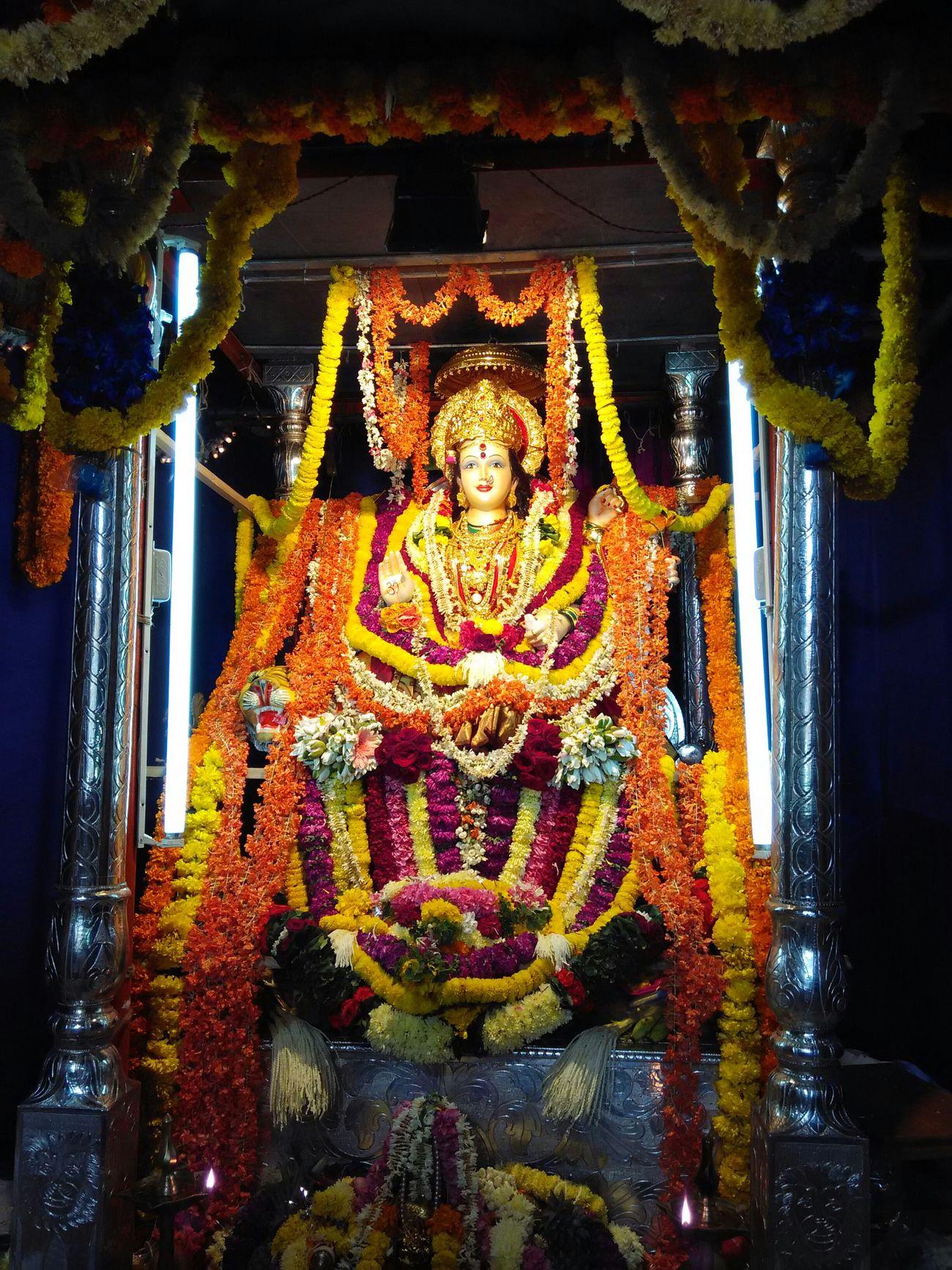 SanToshi Ma Indian Goddess ..... Most Powerful Durga Goddess Goddess Spritualism Devotional Flowers Devine Indiangoddess Mobile Photography Streetphotography