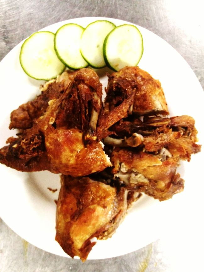Plate Food And Drink Food Ready-to-eat Meal Serving Size SLICE Healthy Eating Freshness Close-up Cooked Vertical Indoors  No People Day Healthyeating FriedChickenIsLife Fried Chicken Friedchicken Fried