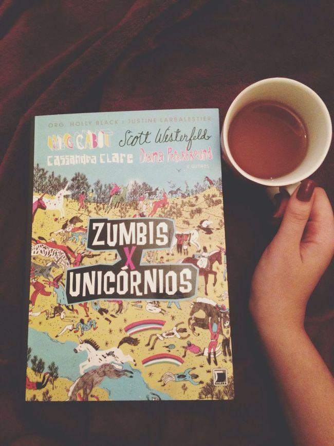Book Zumbis X Unicórnios Tea Livro