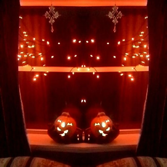 Halloween Mirror image Taking Photos