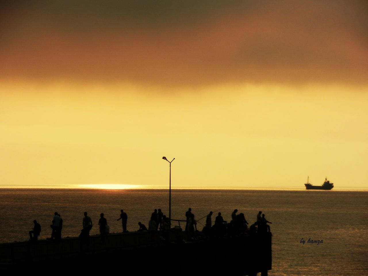 Hello World Taking Photos Photography Pictureoftheday Akşam Güneşi Hayatsokaklarda Black Sea♥ Pier People Watching Fishing Time