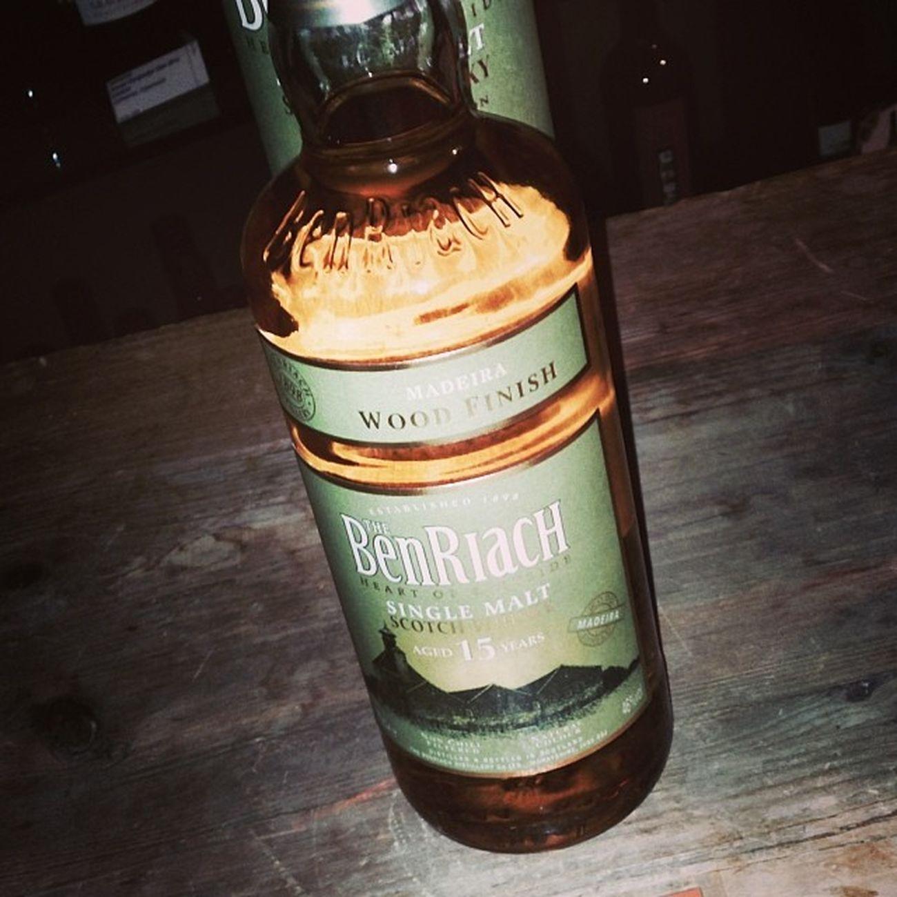 Nr. 4: Benriach 15 Jahre Madeira Wood Finish #whiskyfenster Tasteup Speyside Bottle Tasting Whiskyfenster Scotland Moehringen Whisky 15jahre Madeira Madeirawood Benriach Scotch Elgin Flasche Tuttlingen 15years Schottland Singlemalt
