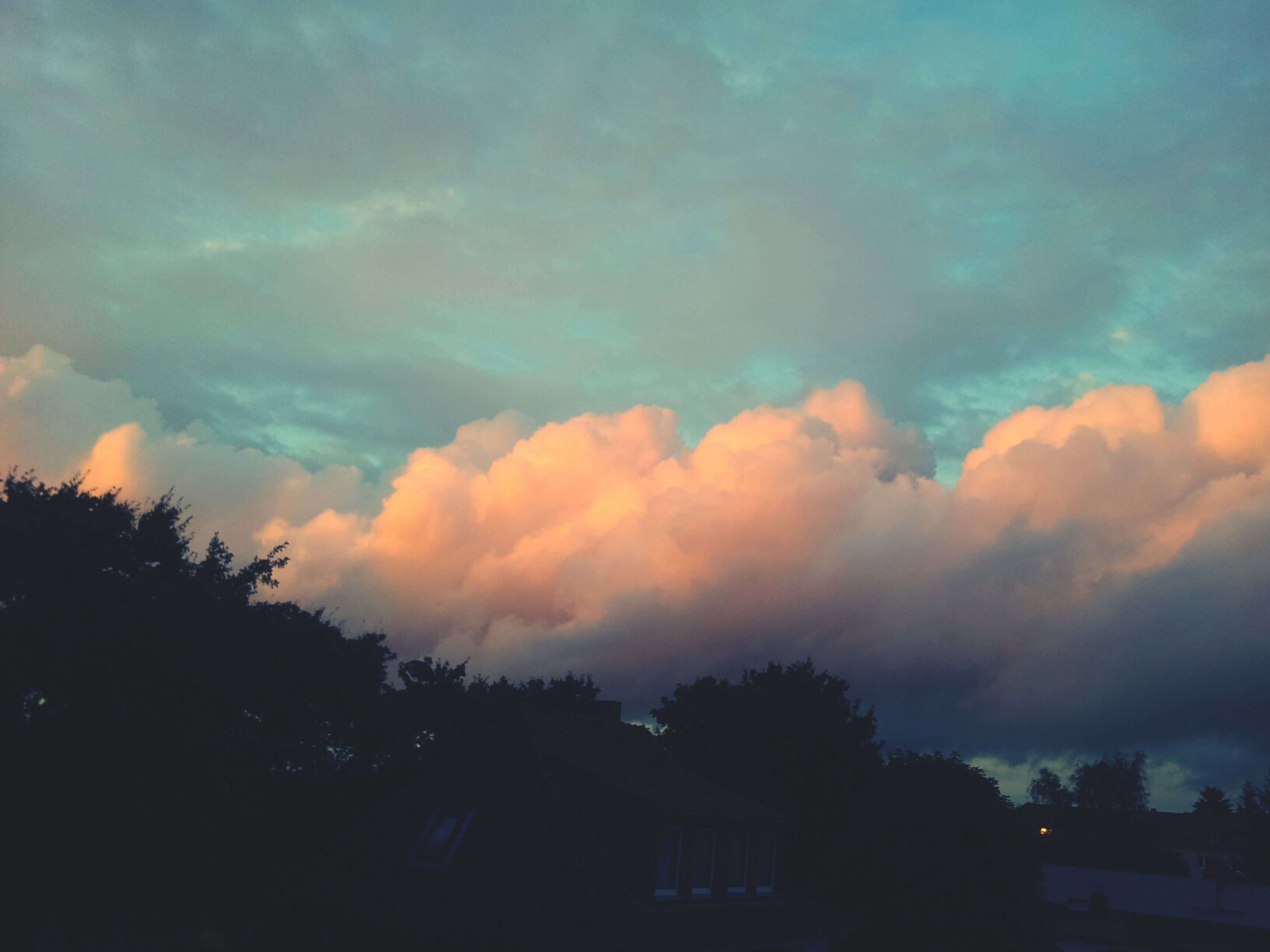 Purple.clouds Beautiful Illuminated_by_the_sun