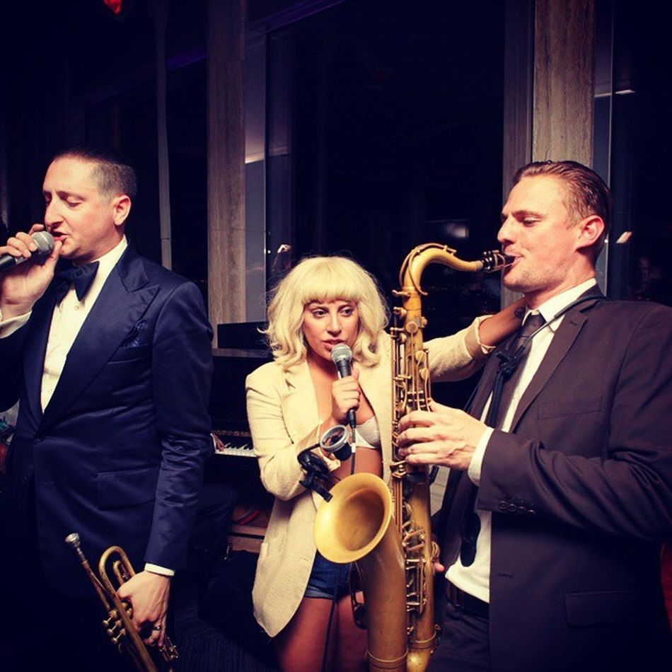 I can't give you anything but love baby 💗💋🎷🎺🎻🎼🎶🎤🎵🎧 Gaga Cheektocheek Queen Jazz