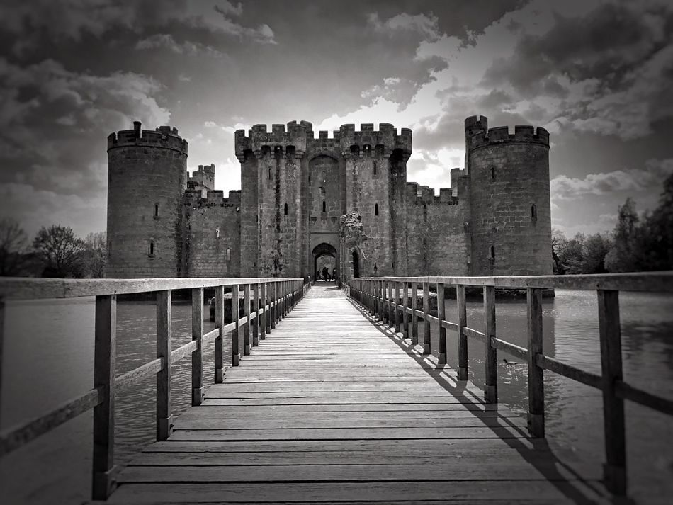Blackandwhite Photography Black And White English History Moated Castle Castle Medieval Castle Bodiam Castle National Trust 🇬🇧 Ruins Sky History Architecture Bridge - Man Made Structure Ancient Water Moats National Trust The Past Medieval Bodiam East Sussex Iphotography Built Structure Cloud - Sky Outdoors