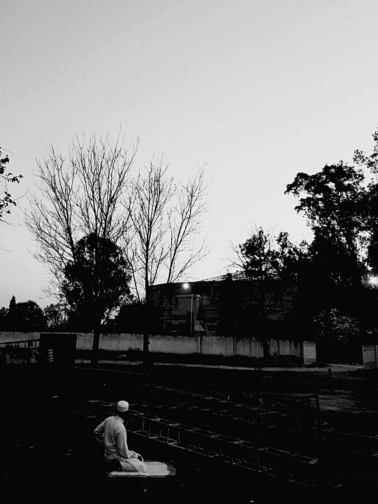 monochrome Black & White Backyardphotography Asthetics Finding Inspiration FindingpeacewithGod Resist