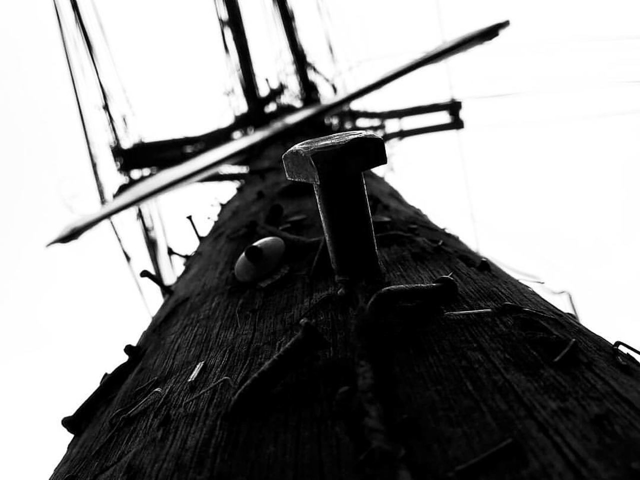 Phone Photography Series: IPhone 4S IPhone Iphonecamera IPhone4s Black And White Fleshwound Pain NoPain NoGain Pole Power Lastmanstanding Used Abused EyeemPhilippines Welcome To Black