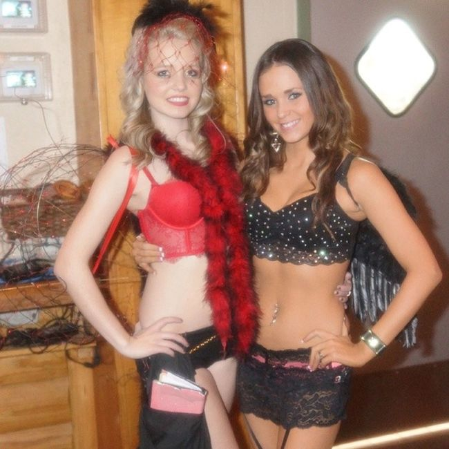 Another pic from Vsfs Dressup @twinpeaksplano @twinpeaksrestaurant @chiveonfl