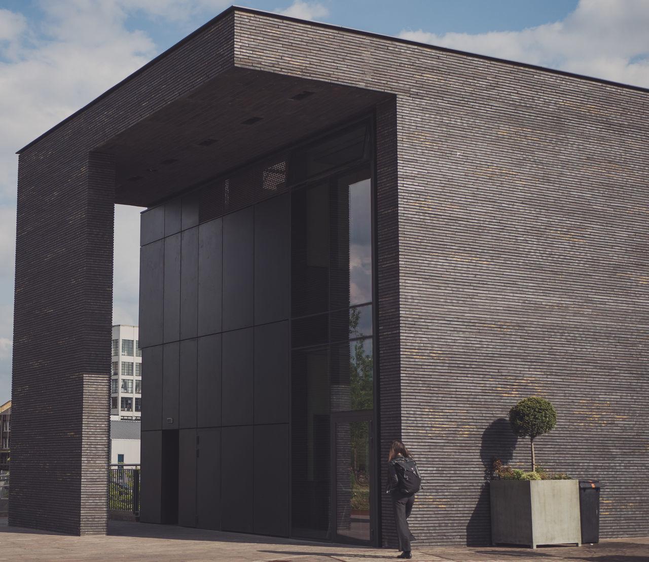 Beautiful stock photos of dunkel, architecture, built structure, building exterior, sunlight