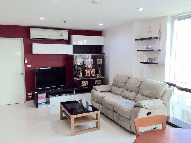 Apartment for rent at asoke bangkok contact line id : peejoyipad Apartment Aparment Bangkok Rent Apartments Condo For Rent Bangkok Asoke Apartment Asoke