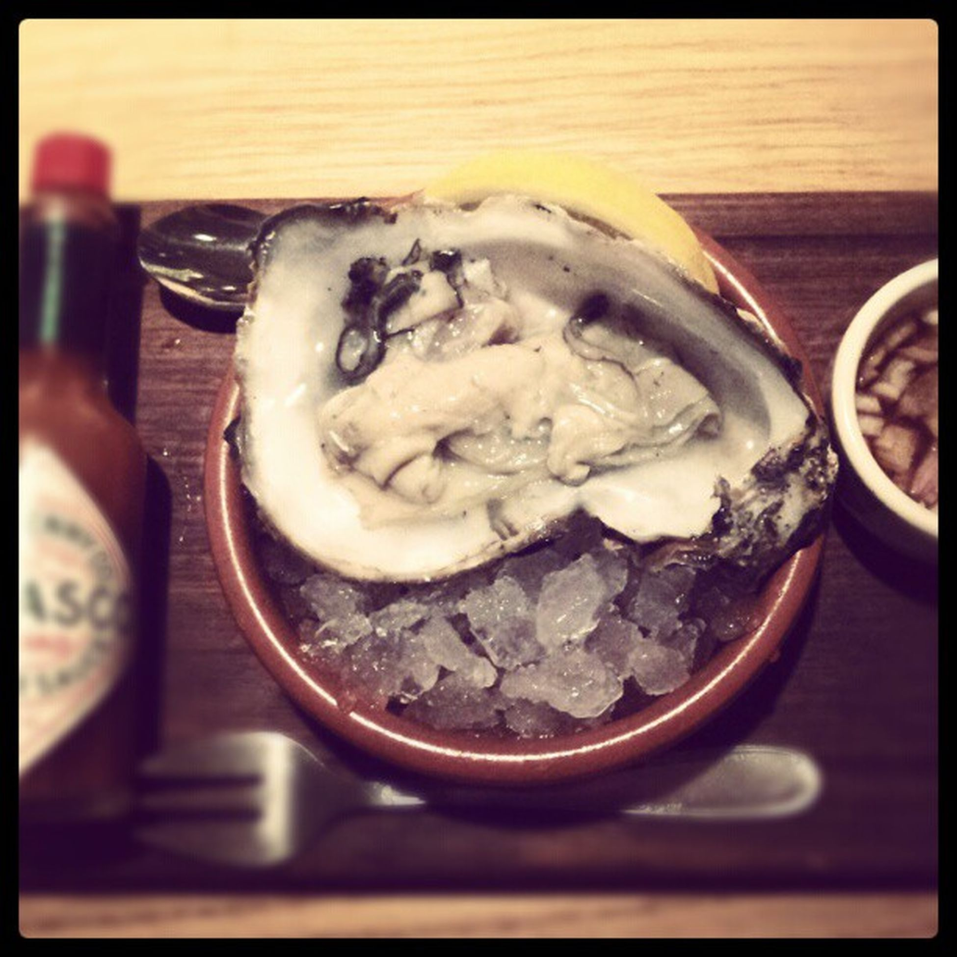 Oyster  Food SHELLFISH  Shell Tabasco Blackhousegrill Blackhouse