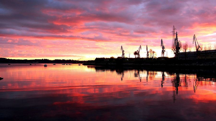 Reflection Sunset Water Outdoors Nature Landscape Industry Cranes Gruas Boats Shipyard Astillero Navantia Caranza Ferrol,galicia,spain Ferrolmola