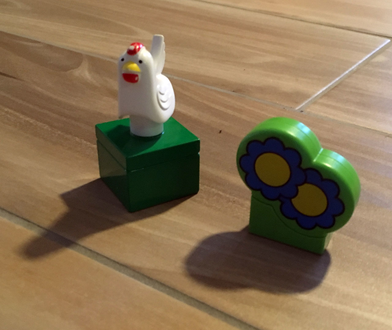 Wachhuhn Chicken Childhood Farm Flowers Hardwood Floor High Angle View Indoors  LEGO LEGO Animals Lego Duplo No People Plastic Wood Wood - Material Symbol Symbolbild Casting Shadows Shadows