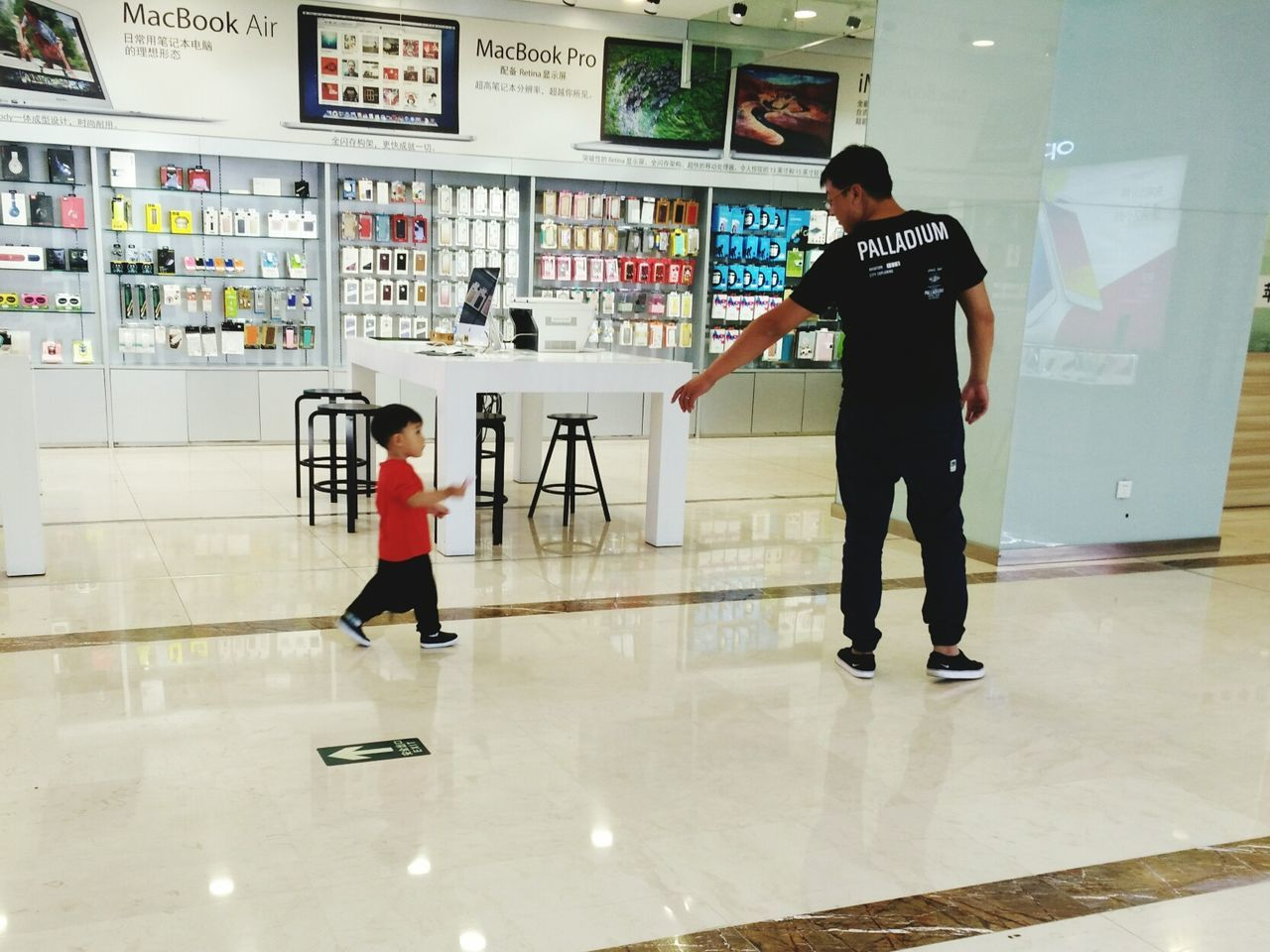 Give me your hand,i will protect you until i die.❤Father's Day City Life Quiet Moments Father's Love Ordinary Day