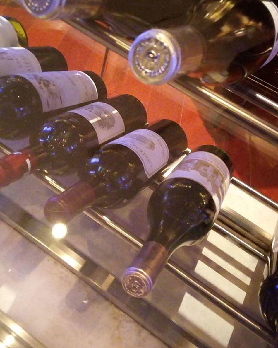 Haut Brion みーっけ💕 いつかこの白を飲むことが夢です😝 シャングリラホテル Shangrilahotel 香格里拉 Hautbrion Bordeaux Wine 飲みすぎてちゃぽちゃぽ 良い香り