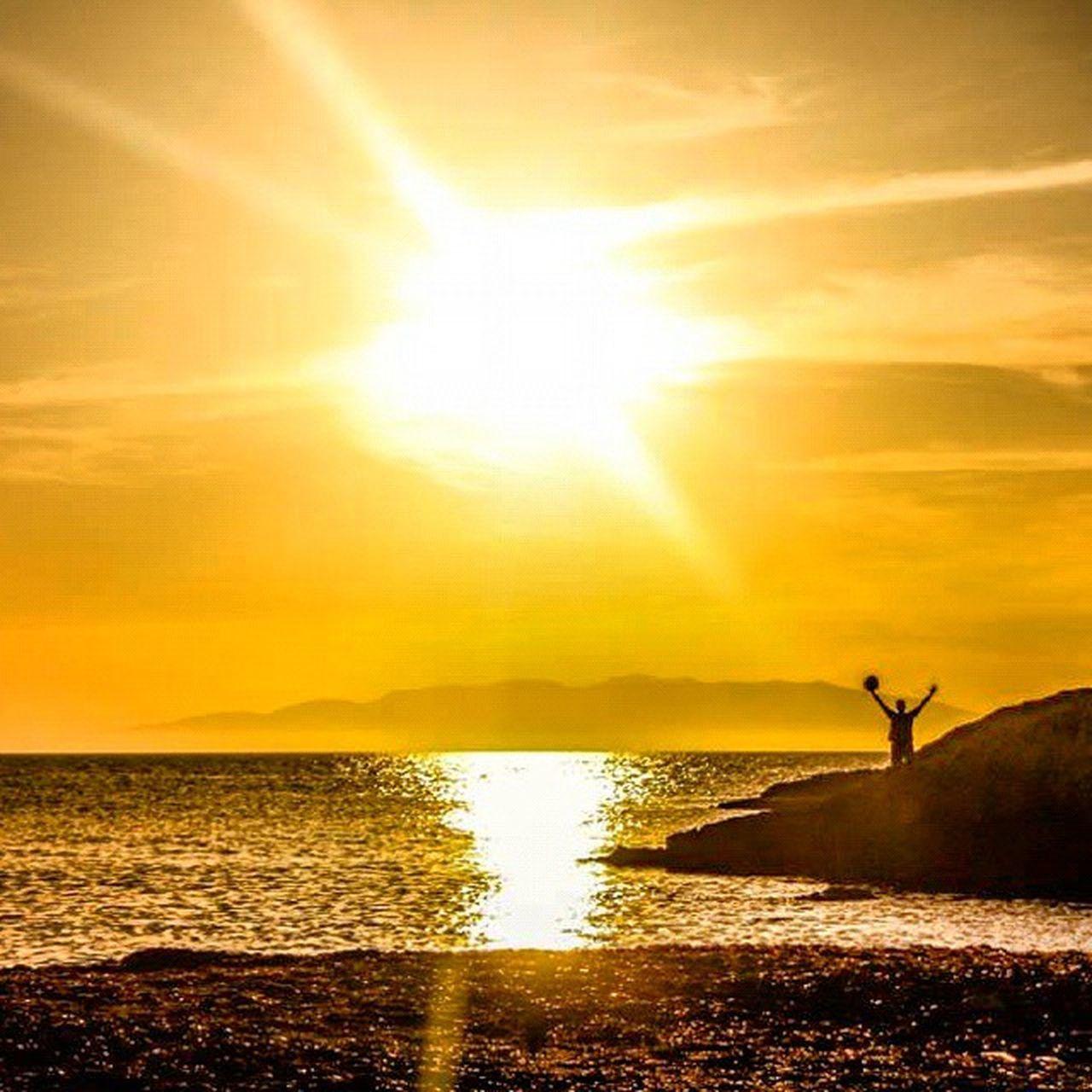 Golden sunset from eastern morocco ! View from: Sid_el_bachir Beach Berkane Morocco Sunset Playa Golden Landscape Calm Beach Sea Meditation Relaxing Nature Beauty Naturelovers Adventure Funnytumblr Worldstagram Worldtraveler Igmorocco Ig_morocco Vscocam Picoftheday Life lifestyle maroc marok