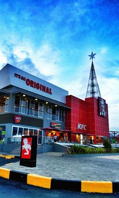KFC in Manado by Liny Tambajong