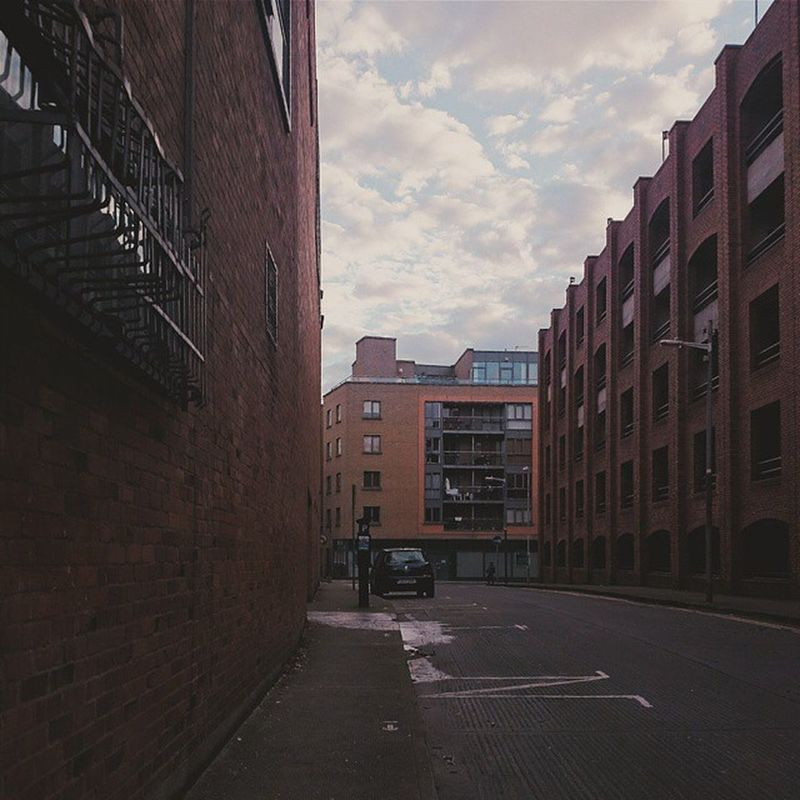 Walking to college this morning, I briefly stopped for 10 secs and it felt like I was in a different world! As if time has stopped. Photography Scenery Dit Boltonst engineering vscocam vsco vintage building carpark