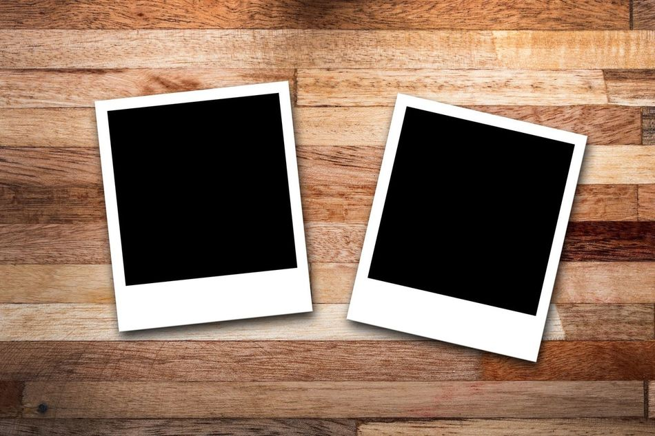 Blank Copy Space Photograph Wood - Material Instant Camera Frame Picture Frame Backgrounds Photography Themes Nostalgia Textured  Two Objects Paper Empty Group Of Objects Pattern No People Wood Grain Photo Album Photo Memories Memory Polaroid Wood Woodtable