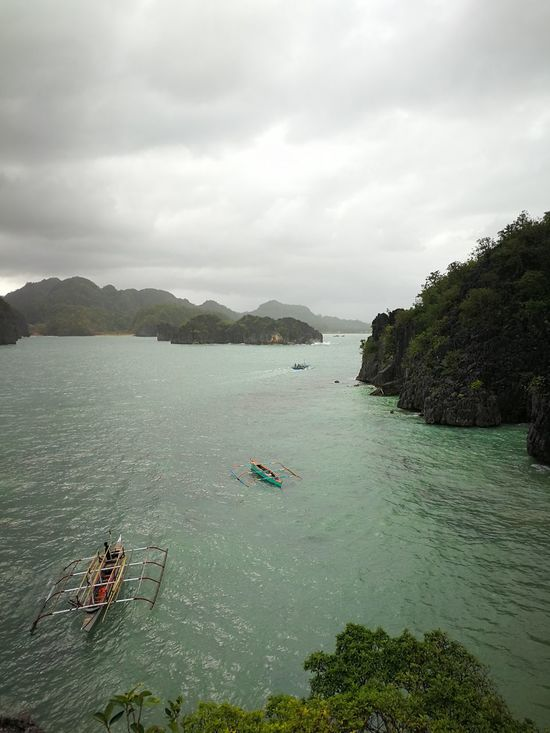 gloomy weather...seawater.. Mobile Photography Eyeem Philippines Smartphone Photography Huaweiphotography Huawei Mate 9 Huaweimobile Taking Photos Shotwithhuaweimate9 Huaweimate9 High Angle View Sea Top View Shot Huawei Photography Sea And Sky Islands Philippines CaramoanIslands Caramoan Island, Camarines Sur Seascape Nature Boats⛵️ No Edit The Great Outdoors - 2017 EyeEm Awards
