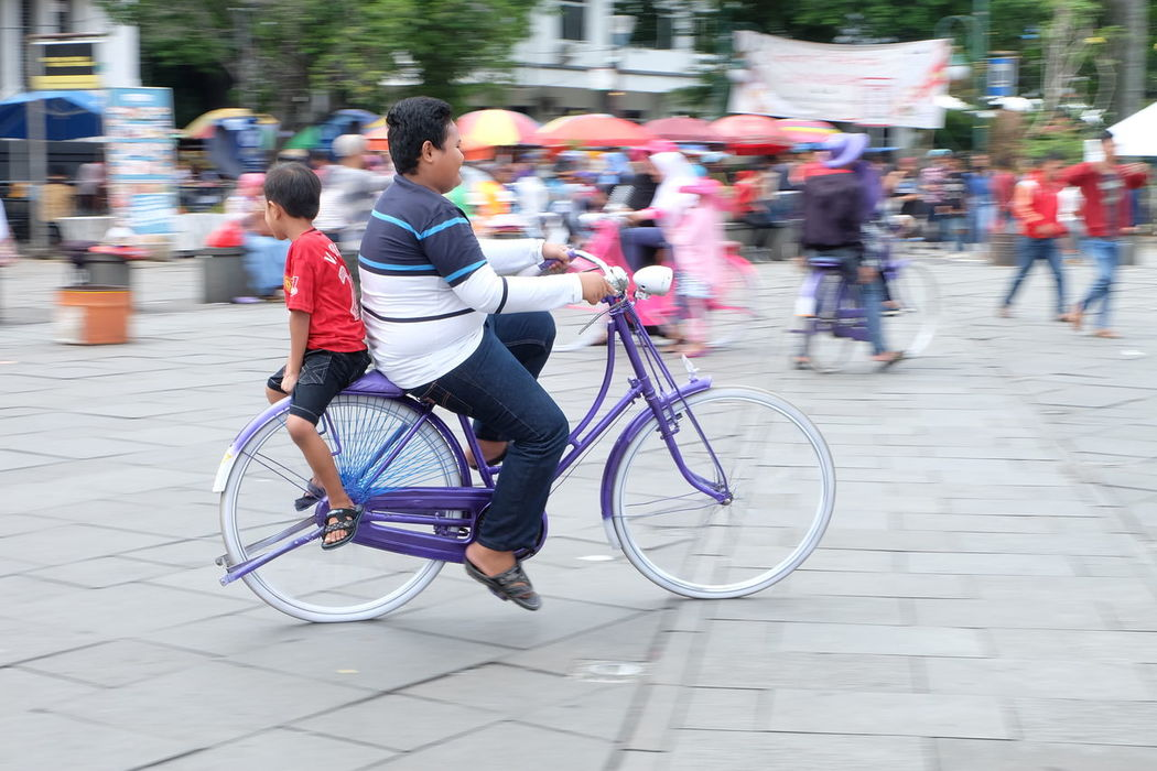 #bycle #riding #panning #twoisbetterthanone #brother #kotatua #jakarta #indonesia #landmark Bicycle Brother City City Life Jakarta Kota Tua Landmark Motion On The Move Panning Panningphotography Park Two Is Better Than One Two ıs Better Than One