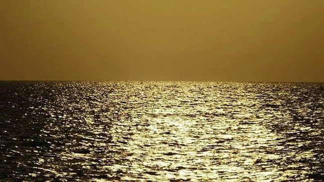 Goldensea Goldenhour Sundown...♥ Sunset Silhouettes Eyeem Philippines Sunset_collection Eyeemcollection EyeEm Gallery EyeEm Best Shots - Nature EyeEm Best Shots - Sunsets + Sunrise Eyeem Photography FujiFilm Finepix S3400 Bantayanislandcebu