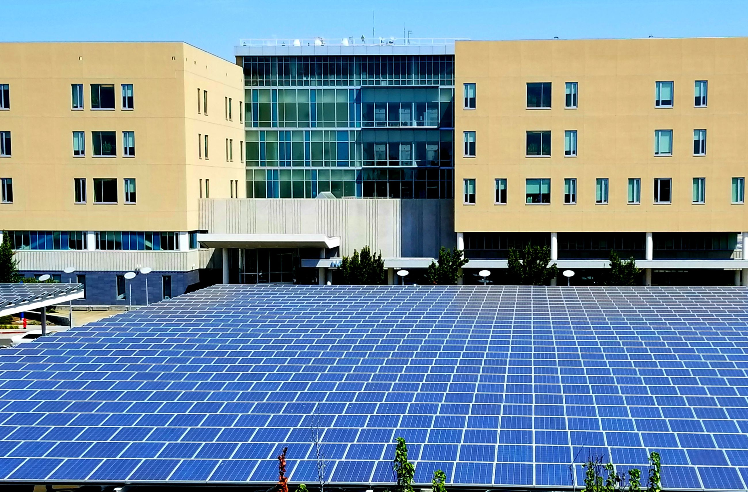 solar panel, solar energy, environmental conservation, alternative energy, fuel and power generation, renewable energy, environmental issues, electricity, sun, built structure, solar power station, solar equipment, architecture, modern, day, building exterior, technology, no people, outdoors