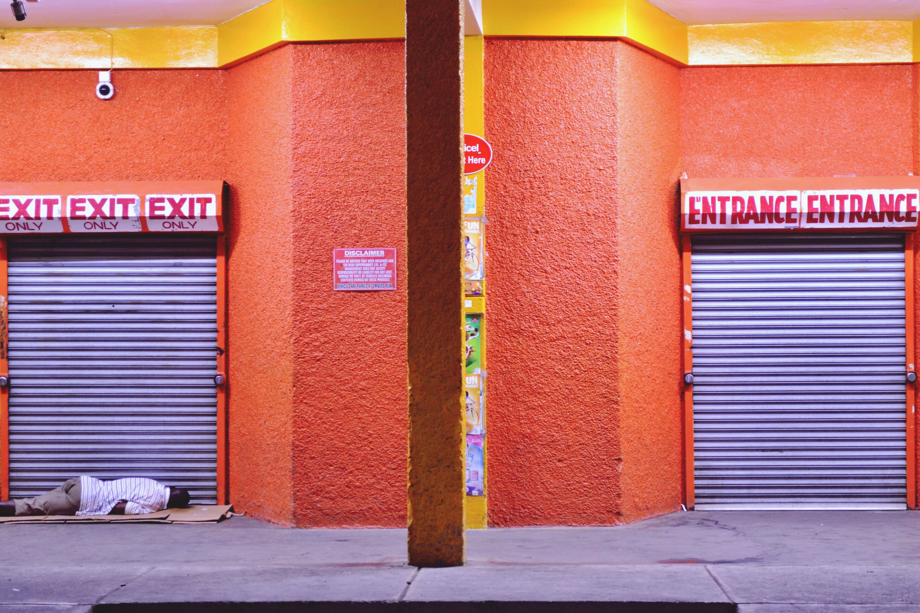 building exterior, architecture, door, outdoors, built structure, multi colored, store, day, no people, city