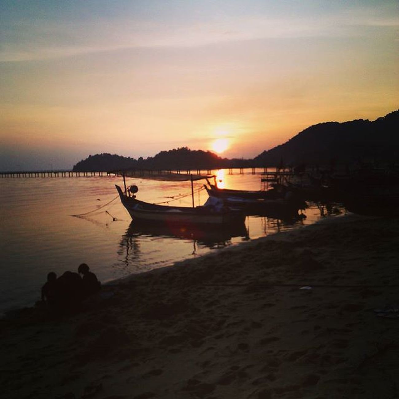 Oh, what a beautiful sunset. Telukkumbar Sunset Sea Nature