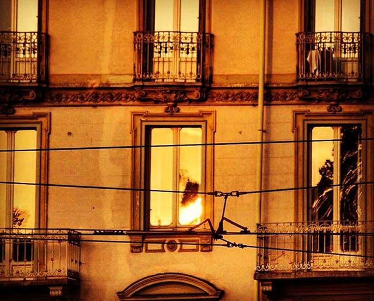 Good Morning Turin ☕️ •• Wishing you all un weekend meraviglioso !! Torino Torinoélamiacittá Torino_city Fermatato Torinodigitale Igersitalia Volgotorino Igerstorino Igerspiemonte Volgoitalia Volgopiemonte Turin Turinheart Cittaditorino VSCO Turismotorino Vivotorino